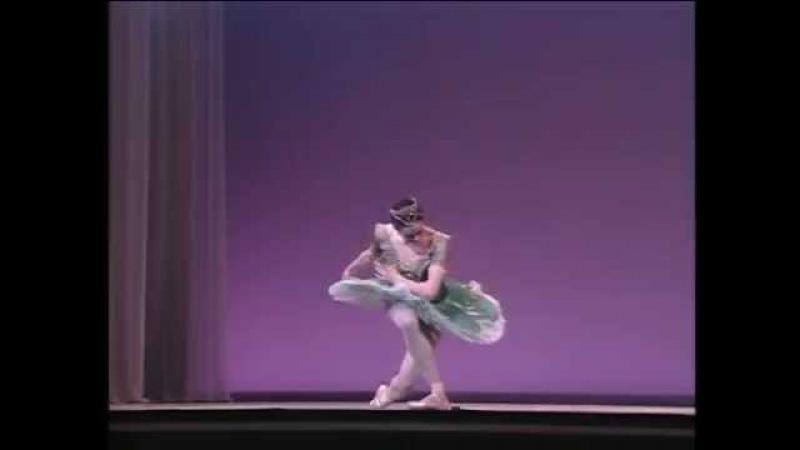 Nina Ananiashvili dances Raymonda (vaimusic.com)