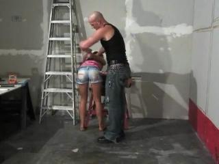 Пришла проверить ремонт в квартире, была наказана членом (hardcore,  связывание, минет, кляп, rape, насилие, хардкор)