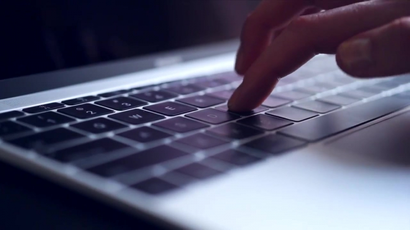 """Apple MacBook 12"""" review׃ предварительный обзор ноутбука (ENG subs)"""