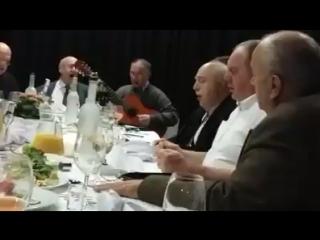 Так могут петь только Грузины.