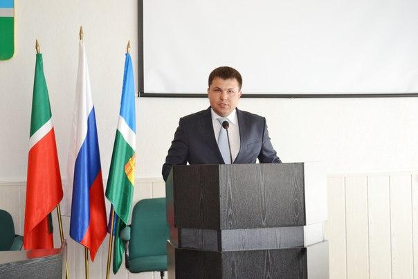 Глава исполкома Чистопольского района Пещеров ушел в отставку. Его переманивают в Альметьевск