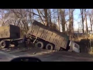 ДТП под Волгодонском: КАМАЗ смял