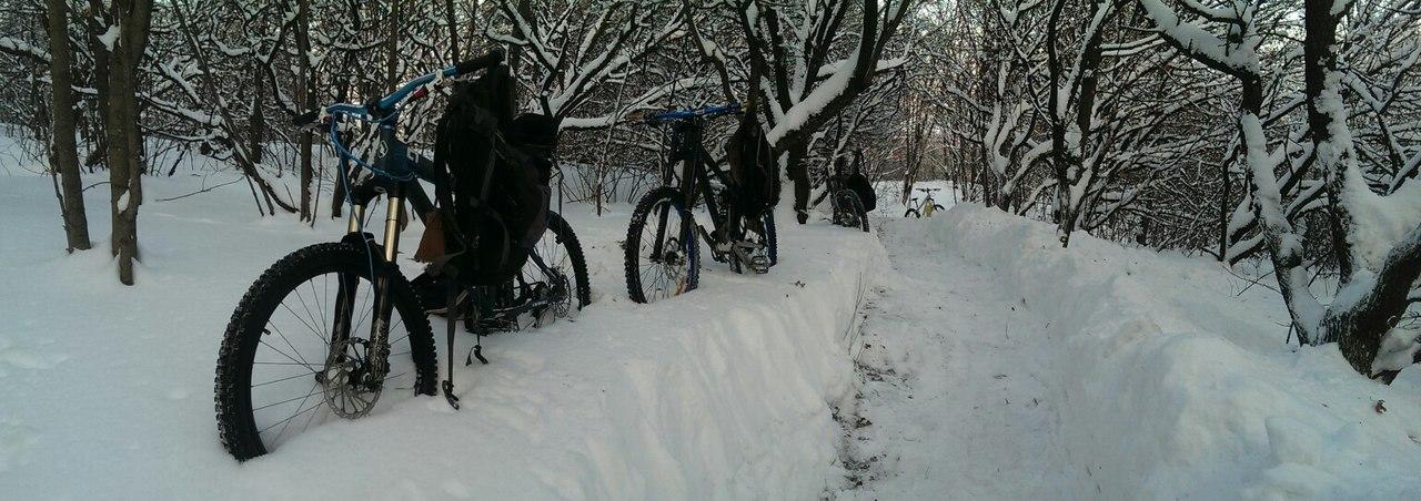 Если вы катались во сне на велосипеде зимой, под снегом или по льду – вам наяву предстоит совершать некие нехарактерные для вас действия и поступки.