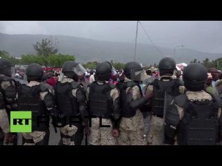 Гаити: Сторонники Президента временное Привер столкновение с полицией.