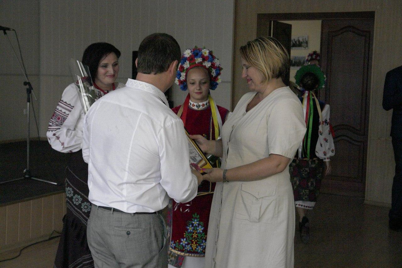 В Покровске (Красноармейске) состоялся праздничный концерт, фото-2