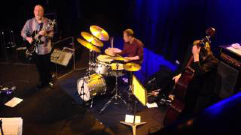 Amazing Bill Stewart plays w. John Scofield and Joe Lovano 2015 in Wien.