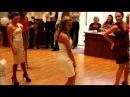 Очень хороший танец девочек на выпускном