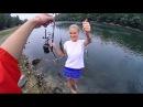 Рыбалкаю. Девушка учит ловить рыбу мастер класс на рыбалке прикол