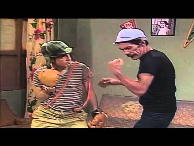 Seu Madruga tentando ensinar boxe ao Chaves