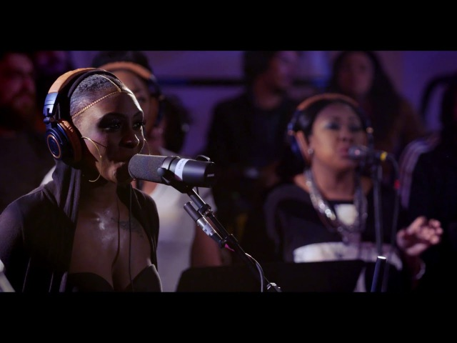 Snarky Puppy feat. Laura Mvula Michelle Willis - Sing to the Moon (Family Dinner Volume Two)