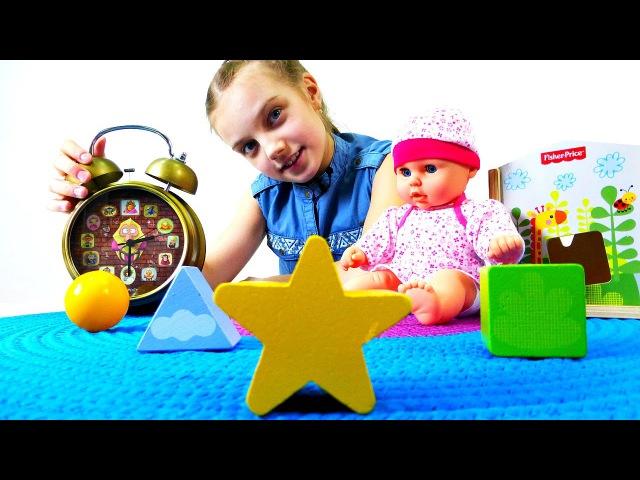 Юля и кукла Настя играют с Чудо Домиком и кубиками. Дочки-матери. Видео для девоч...