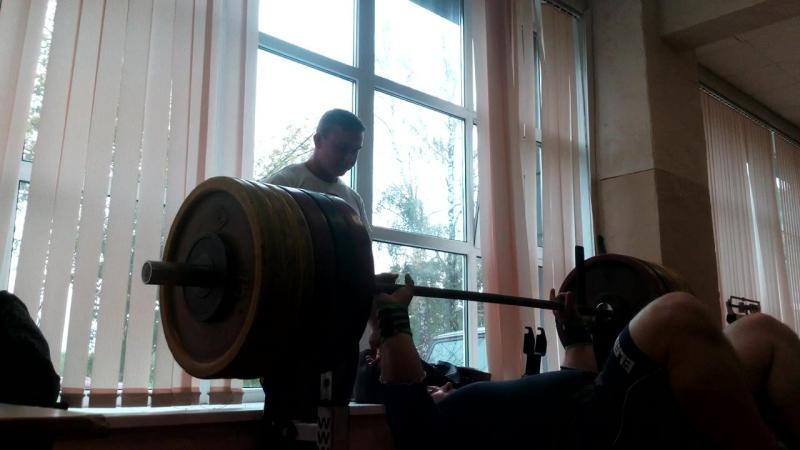 Павел Колохин- жим 265 (комментирует Клюшев Александр)