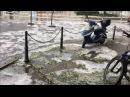 Hagel und Überflutungen in Berlin - Rathaus Lichtenberg und Frankfurter Allee unter Wasser