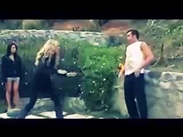 Удар а голову Копия видео Жестокий нокаут с правого удара Тайский бокс Свежее видео драки 2016 720H