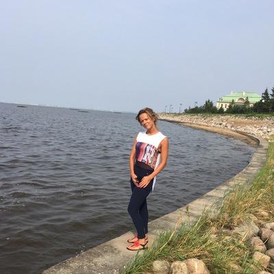 Яна Антипова