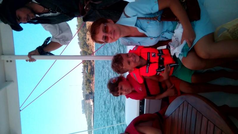 день народження Гані на яхті Синдбад