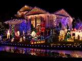 Как украсить двор на Новый Год и празднично нарядить дом внешне (Часть 2)