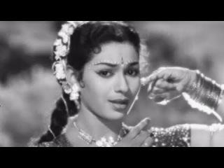 Aaja Chaye Kare Badra - Old Hindi Dance Song - Lajwanti