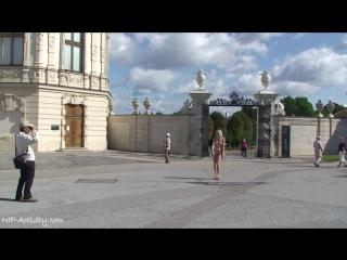 Lucie Nude in public 1