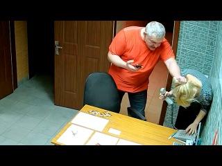 Избиение девушки в САУНЕ скрытая камера Омск ПОЛНАЯ ВЕРСИЯ.
