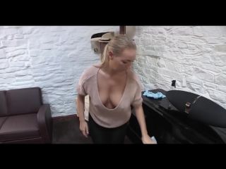 Cleaning Downblouse