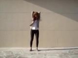 Офигенная девка, офигенно танцует!