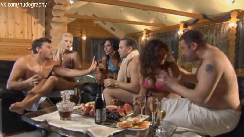 Мария Шумакова и другие в бикини в ТВ-шоу