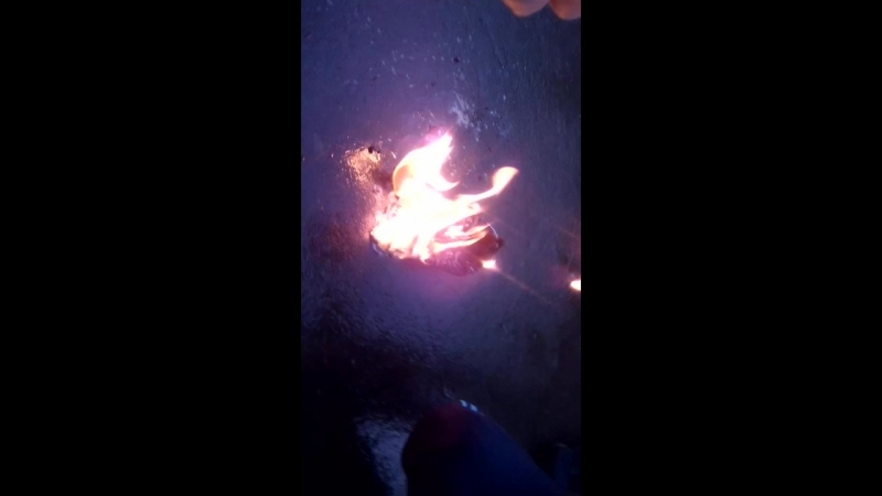 Сожгли кроссовки за 8000 Adidas Yessy Boost