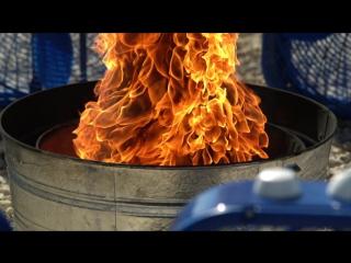 огненный смерч в замедленной съёмке