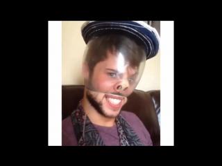Как снять шапку без рук с помощью презерватива и носа