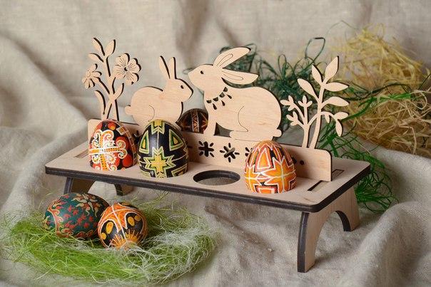 Подставка для яиц из дерева