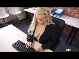 Downblouse - Lizzie Sneaky Webcam Spy Preview