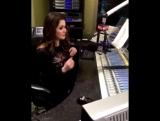 ОТРЫВОК: Лора берет интервью у Троя Сивана (1 февраля)