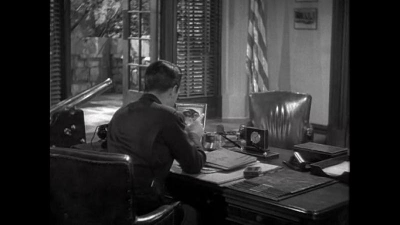 МАЙОР И МАЛЮТКА (1942) - мелодрама, комедия. Билли Уайлдер