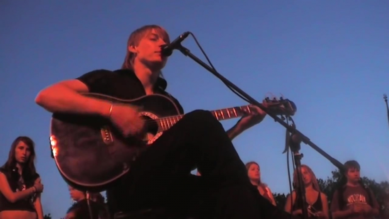 Кино -Спокойная ночь_ Концерт памяти В.Цоя (кавер на гитаре)