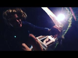 Руслана обожает крабов