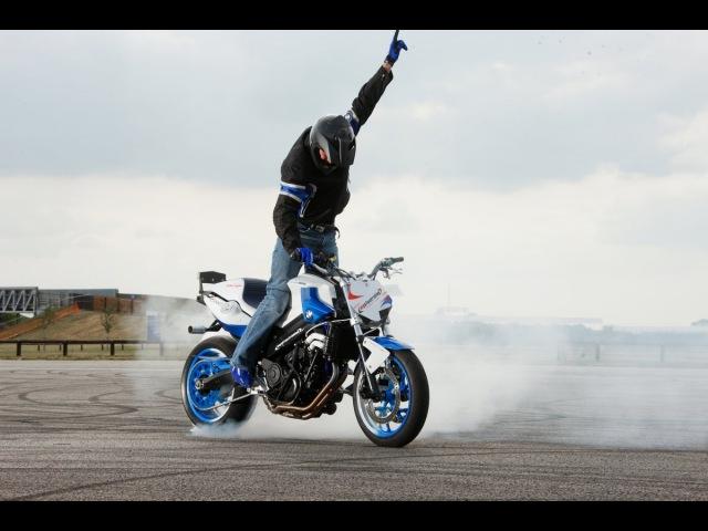 невероятные трюки на мотоциклах часть 1/the best stunts on motorbikes