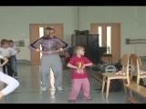 Мастер-класс по хип-хопу для детей 5-6 лет. - YouTube_0_1447869896533