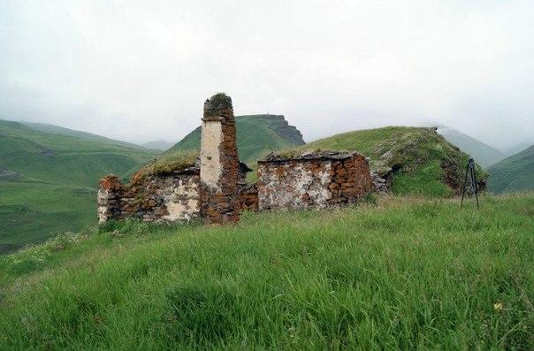 Святилище Авд дзуар (до «реставрации»)