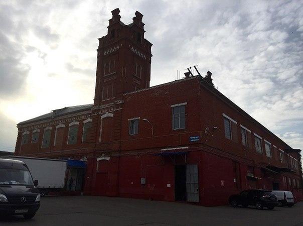 Здание завода «Товарищества Старогоркинской Мануфактуры Шорыгиных», к которой относились дома, находящиеся под угрозой сноса
