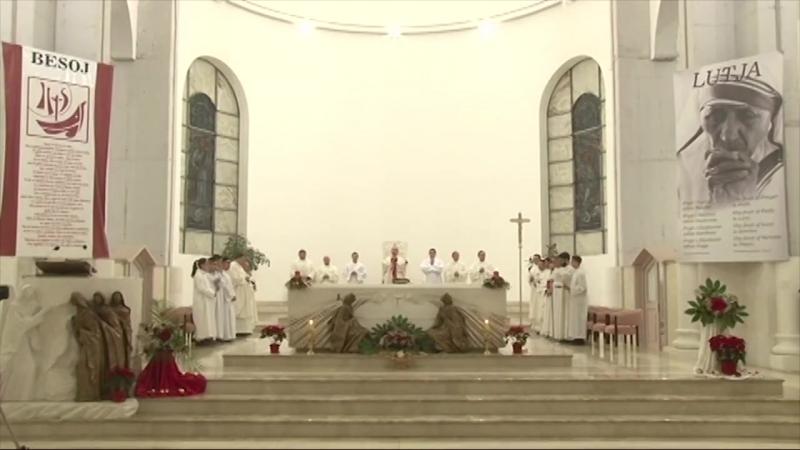 Kosowo Kristmas ybadaty geçirildi