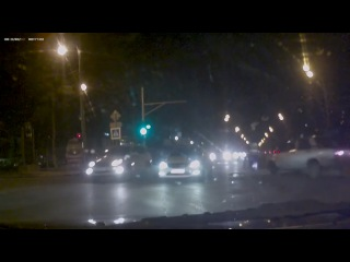 Краснодар. Легковушка сбила регулировщика (23.12.2015 г.)