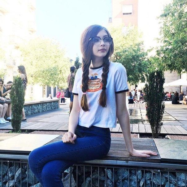 Худенькая девочка с огромной пиздой фото 214-768