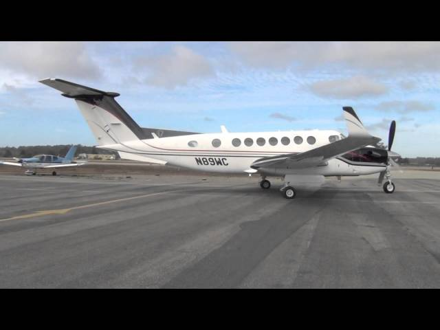 HD Must See! Beechcraft King Air 350 Start-Up and Take Off at Watsonville Municipal Airport-KWVI