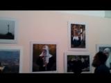 Знакомство с фотоработами на выставке