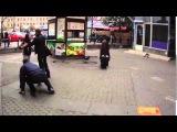 Русская быдло баба дерётся с мужиком /the Russian girl beats a fellow