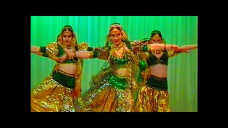 Tu Cheez Badi Hai Mast Mast, Indian Dance Group Mayuri, Russia