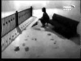 Нина Дорда Плачет девочка в автомате.flv