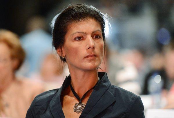 Sahra wagenknecht)