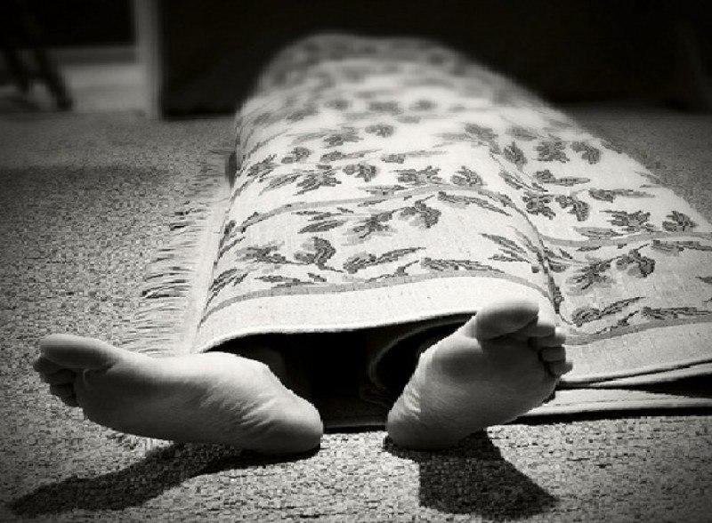 В Таганроге на балконе собственной квартиры был найден труп, замотанный в ковер
